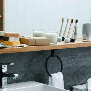 wandplank-in-de-badkamer